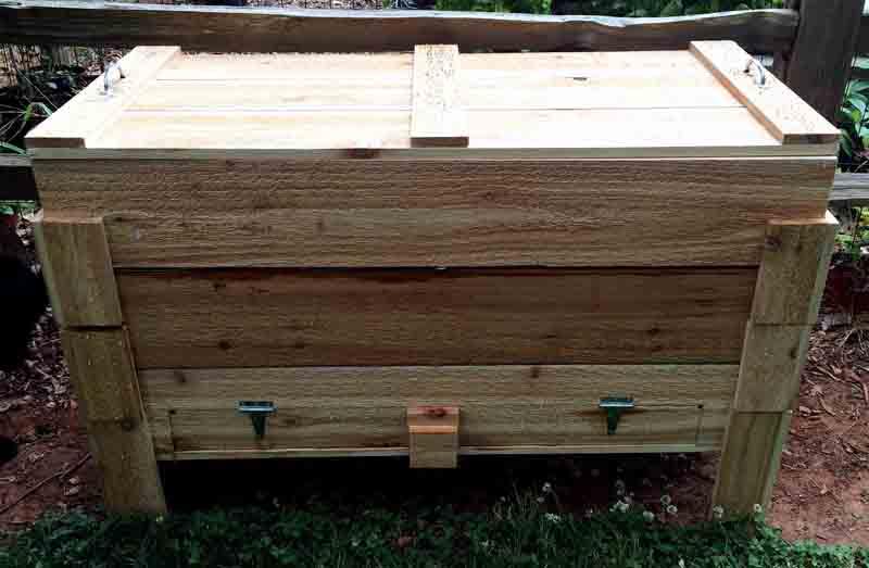 Thùng nuoi trùn quế bằng gỗ có nắp đậy
