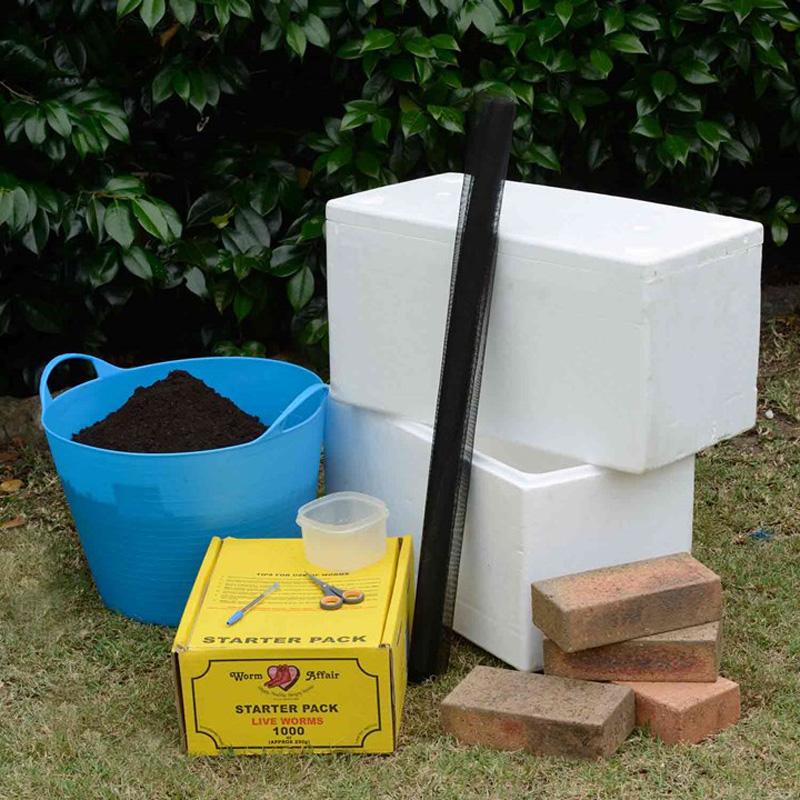 Thùng nuôi trùn quế bằng thùng xốp tạo 2 tầng