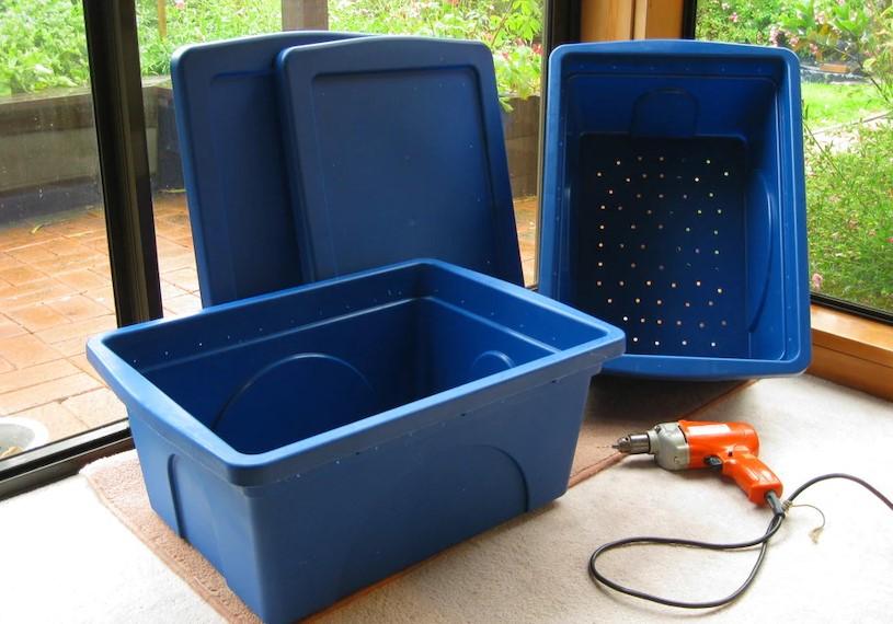 Chế thùng nhựa nhiều tầng để làm thùng nuôi trùn quế