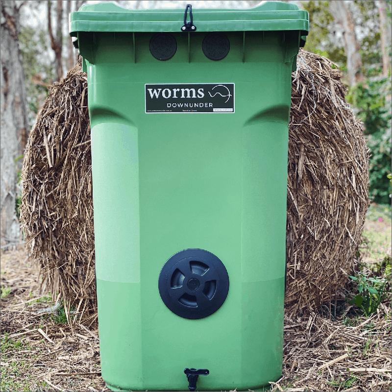 Thùng nuôi trùn quế chế từ thùng rác lớn
